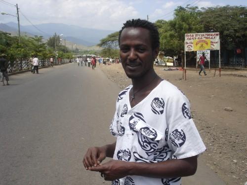 PAPA U-Gee 魚河岸シャツ イン エチオピア